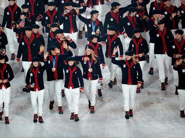 Delegação americana vestindo Ralph Lauren na cerimonia de encerramento dos  jogo olímpicos de inverno em Sochi e42af18637735