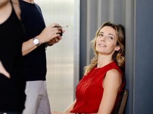 Super Suite 77 vai exibir fotos com mulheres que são a cara da marca no Lado B