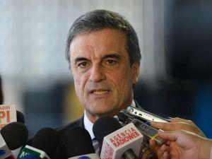 Para Dilma, saída de Cardozo seria a derrocada de seu governo