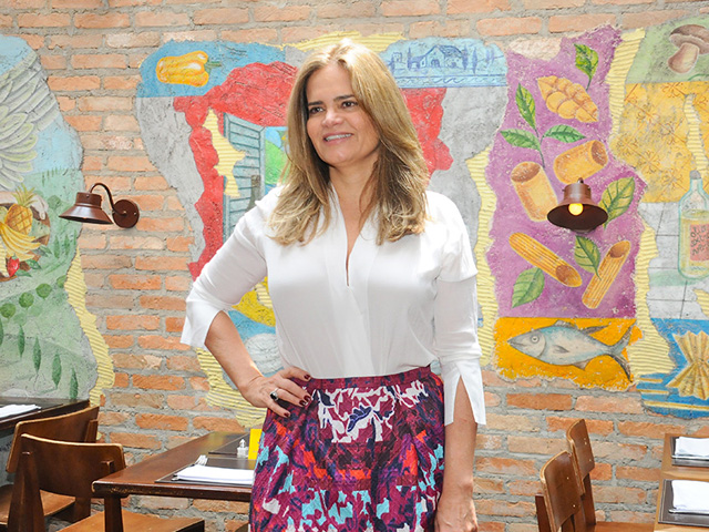 Denise Cassou está na lista vip para o jantar de gala da Tiffany   Co     Créditos  Divulgação 716a13461e
