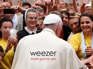 """Weezer lança novo single, """"Thank God For Girls"""". Assista ao clipe!"""