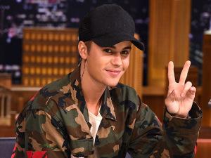 Justin Bieber vai ou não processar jornal que publicou seus nudes?