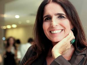 """Malu Mader confirma volta às novelas em remake de """"Sassaricando"""""""