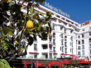 Hotel Majestic Barrière, em Cannes, também tem o seu Gustave H