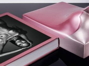 Da infância à passarela, Naomi Campbell relembra vida em livro