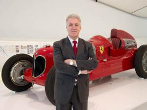 Nasce novo bilionário, e ele é um herdeiro bastardo da Ferrari