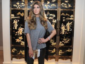Andrea Bogosian festeja ampliação de fashion room nos Jardins