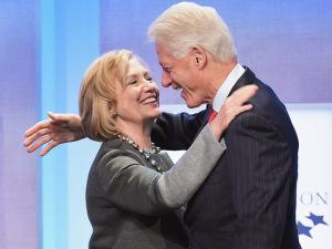 Bill Clinton vira organizador de eventos para a campanha de Hillary