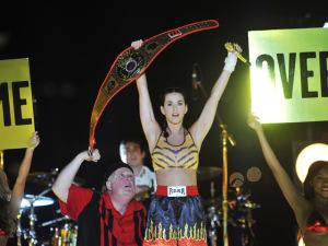No aniversário de Katy Perry, 8 looks pra lá de originais da musa pop