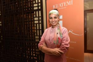 Renata Vanzetto dá aula de culinária no Lounge One do Iguatemi SP