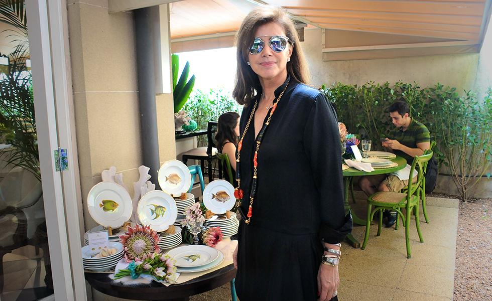 831138953b964 Bete Arbaitman e Tania Bulhões armam almoço com turma de glamurettes em SP