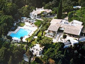 Um passeio por 6 mansões pelo mundo que estão nos filmes de 007