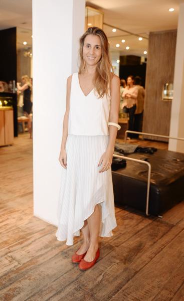 Adriana Verissimo de look Cris Barros, sapato Chanel e pulseira Cine 732