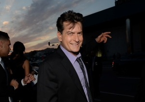 Charlie Sheen vai a programa de TV para dizer se é soropositivo