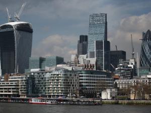 Coty, que comprou parte da Hypermarcas, está de mudança para Londres