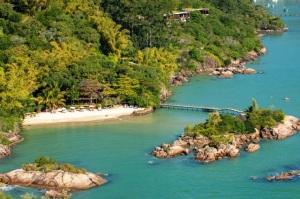 A dois passos do paraíso: Ponta dos Ganchos é a pedida para este verão