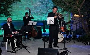 Banda The Jaguars invade a Casa Jaguar XE com muito jazz