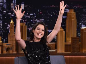 Baby boom! Anne Hathaway está esperando seu primeiro filho