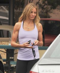 """Bíceps super definidos são nova """"tendência"""" entre famosas"""