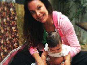 Carolina Ferraz divide momento íntimo ao lado da caçula Isabel