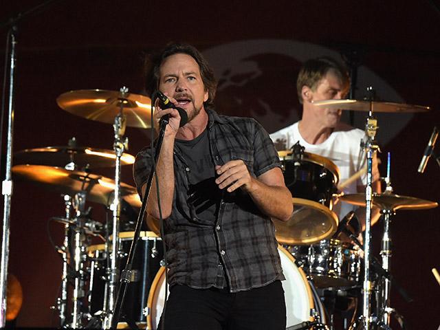 Eddie Vedder e o Pearl Jam estão em turnê pelo Brasil