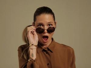 Helena Bordon lança linha de óculos com festa e drinks by Cîroc