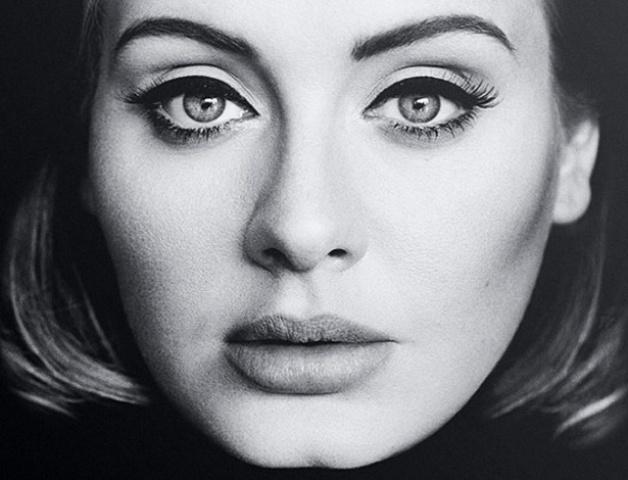"""A capa do novo single de Adele, """"Hello"""""""