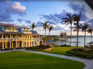 Com bar de Clooney e serviços deluxe, ilha nas Bahamas é segredo bem guardado entre as celebs