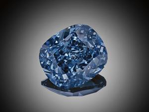Diamante azul vai a leilão nesta quarta e deve quebrar recorde