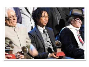 Djavan recebe homenagem no Grammy Latino pelo conjunto da obra