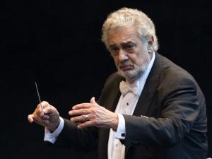 Plácido Domingo comemorou 55 anos de carreira com ópera e mariachis