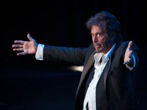 Peça da Broadway estrelada por Al Pacino é fiasco de crítica
