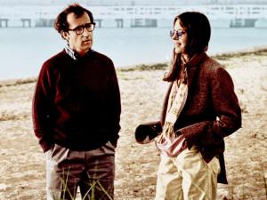Woody Allen recebe prêmio de roteiro mais engraçado de todos os tempos