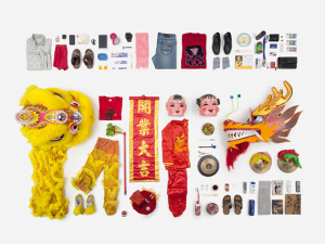 Artista recria cotidiano de pessoas normais através de objetos tocados durante o dia