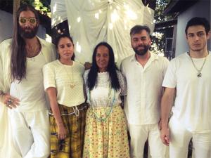 Dia de Oxum no Terreiro do Gantois leva glamurettes a Salvador