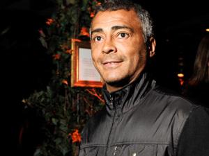 Romário quer investigação do MP da Suíça sobre suposta conta