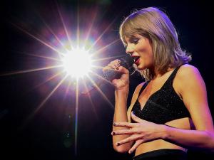 Oito provas de que 2015 foi o ano de Taylor Swift, a aniversariante do dia