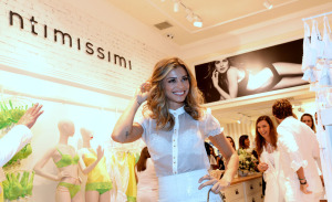 Grazi Massafera e Juliano Cazarré entre lingeries no Rio: pode entrar