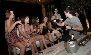 Martini Prosecco agita Trancoso com esquentas pelas casas de glamurettes