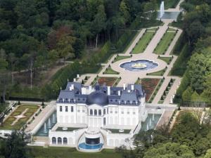 Château mais caro do mundo é vendido por R$ 1 bilhão na França