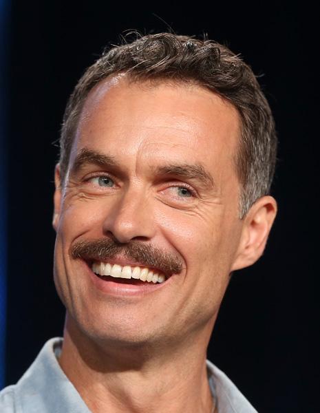 """E o bigodinho de Murray Bartlett, que estrelou a série """"Looking"""", da HBO?"""