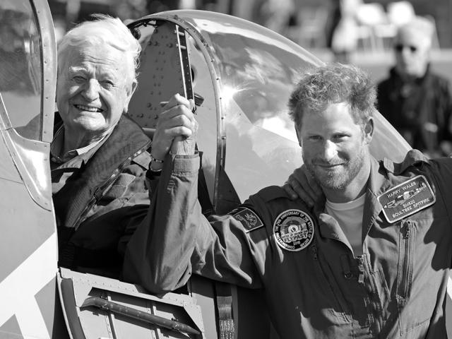 O príncipe Harry com o veterano de guerra