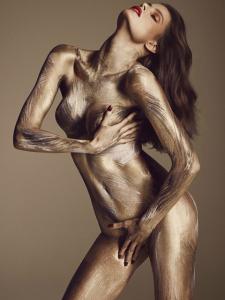 Divulgados mais nudes de Isabeli Fontana para revista francesa