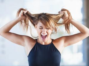 """Bad hair day""? Glamurama ensina truques para domar os fios"
