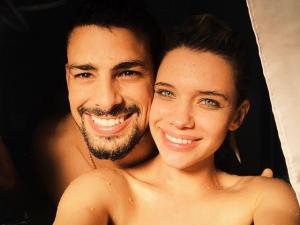 Cauã e Bruna Linzmeyer postam fotos iguais e aumentam boatos de affair