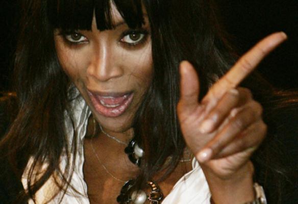 Naomi sendo Naomi...