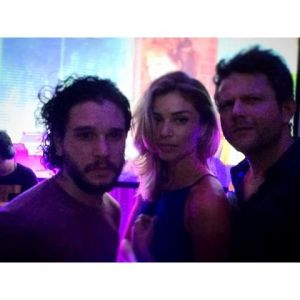 "Selton Mello ataca de fã com astro de ""Game of Thrones"" no Rio"