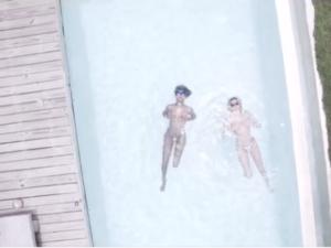 Angels aparecem de topless em vídeo filmado em Trancoso