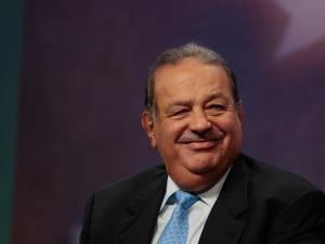Carlos Slim afirma que não doará fortuna para caridade como Zuckerberg