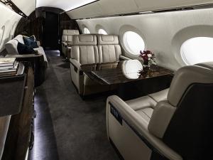 Por dentro do novo jatinho da Gulfstream. Vem!